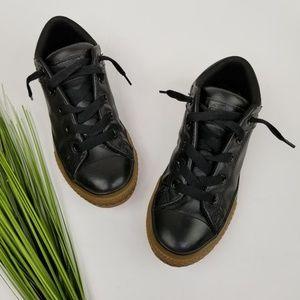 Converse Black Leather Sneakers  Sz 2.5  Unisex